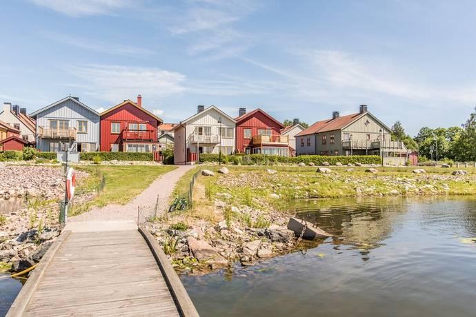 Bild: 4 rum radhus på Klysgränd 1, Nyköpings kommun Brandholmen