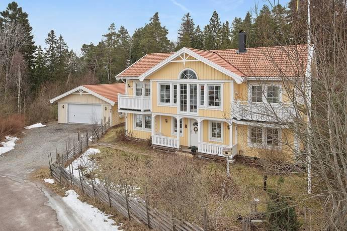 Bild: 6 rum villa på Sten Bergmans väg 22, Salems kommun Rönninge
