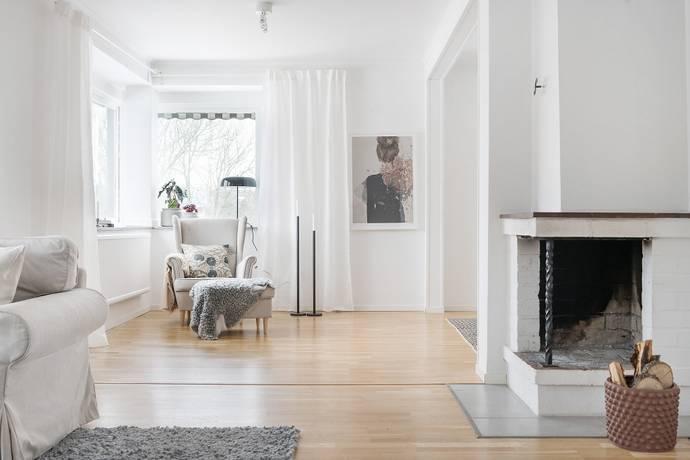Bild: 6 rum bostadsrätt på Djursholmsvägen 25, Täby kommun Näsby Park