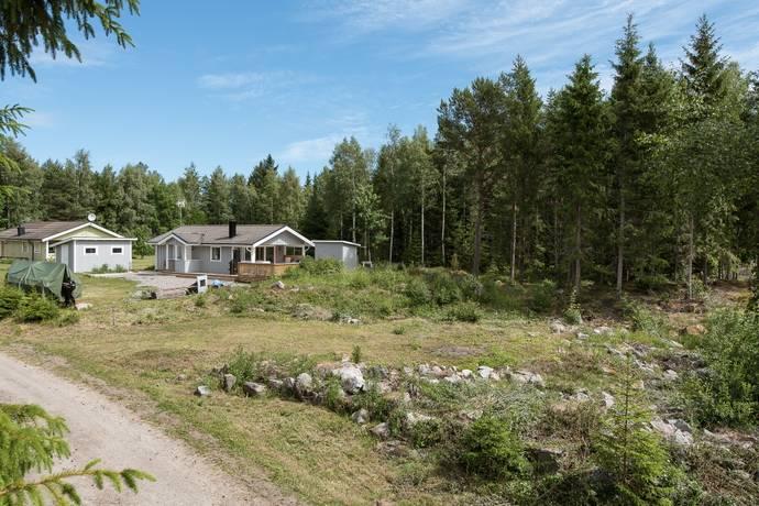 Bild: tomt på Småmursvägen 5, Gävle kommun Säljemar