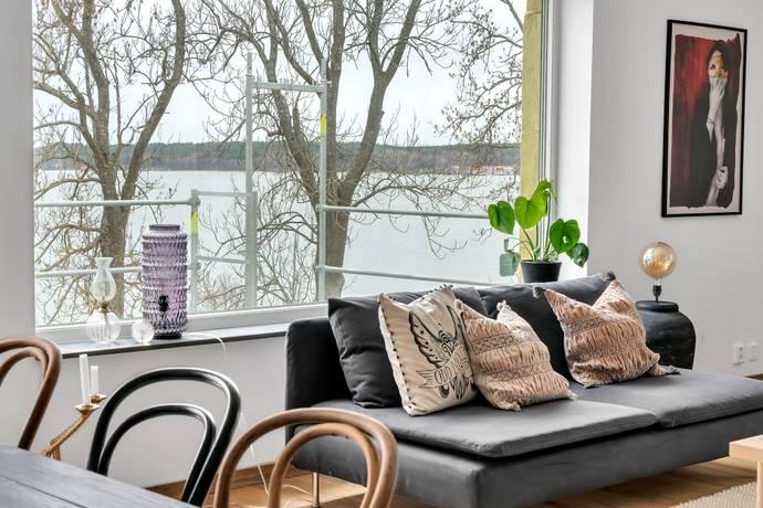Bild: 4 rum bostadsrätt på Vårby Allé 31, Huddinge kommun Vårby Gård