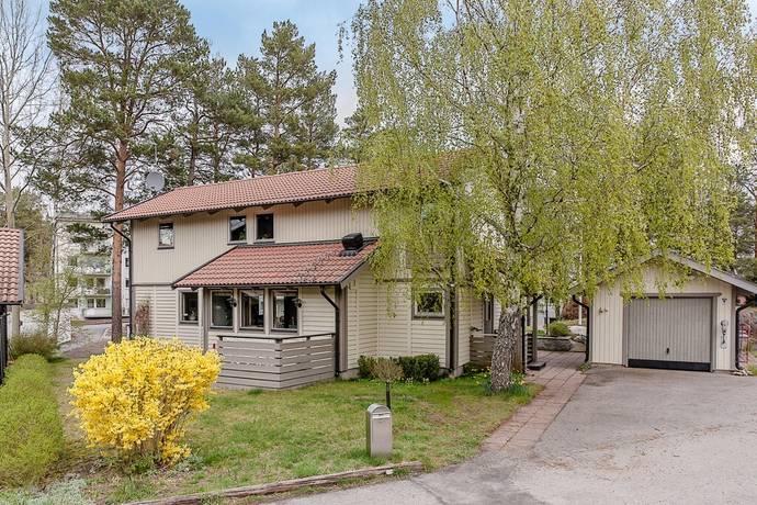 Bild: 5 rum villa på Kamratvägen 5, Nacka kommun