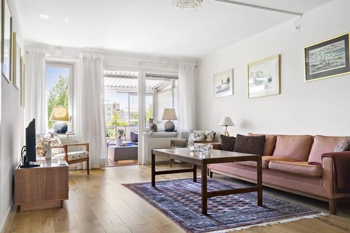 Bild: 2 rum bostadsrätt på Fyrspannsvägen 58, 1 tr, Nacka kommun Jarlaberg