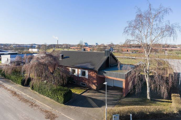 Bild: 5 rum villa på Knallevägen 6, Skara kommun