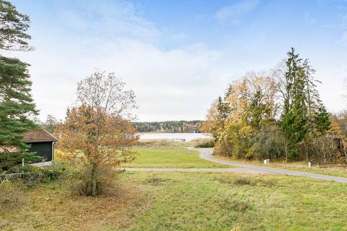 Bild: tomt på Kärrbo-Nyby, Västerås kommun Nybynäs