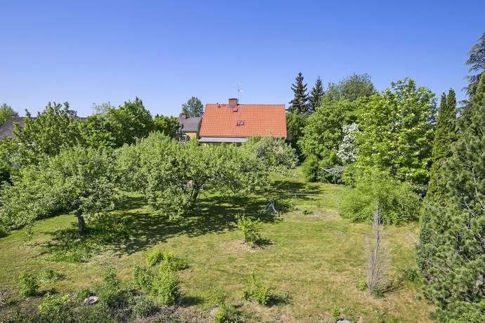 Bild: tomt på Lindgärdesvägen 6, Eskilstuna kommun Slagsta