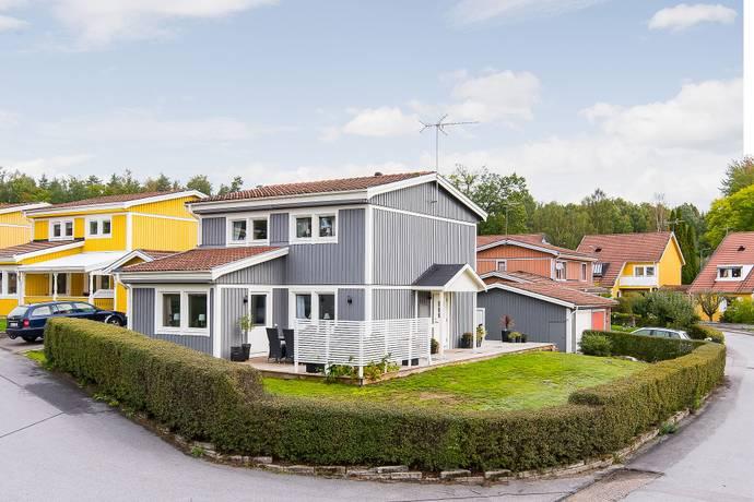 Bild: 5 rum villa på Mårdstigen 13, Katrineholms kommun Värmbol