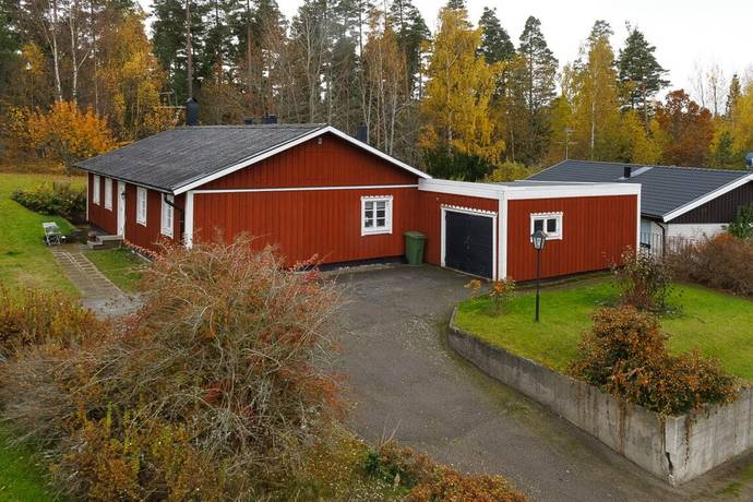Bild: 5 rum villa på Ringvägen 35, Boxholms kommun Bjursdalen