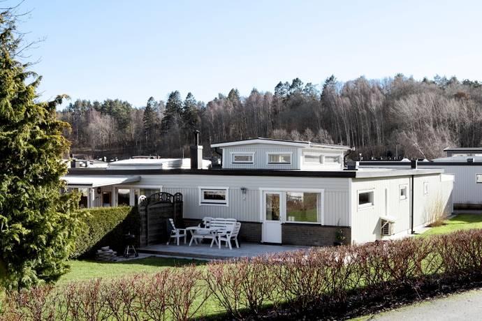 Bild: 5 rum radhus på Lönnrunan  20, Göteborgs kommun Torslanda - Centrum