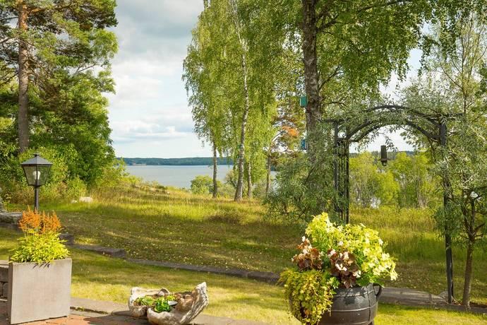 Bild: 4 rum villa på Näktergalvägen 19, Håbo kommun