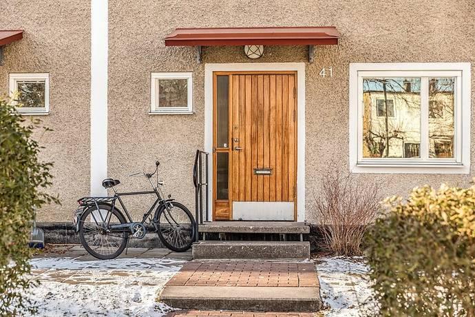 Bild: 4 rum radhus på Rättar Vigs väg 41, Stockholms kommun Vällingby-Nälsta