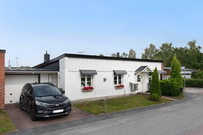 Bild: 5 rum radhus på Smörblomsgatan 2, Enköpings kommun Enköping