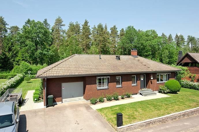 Bild: 7 rum villa på Smultronvägen 45, Ljungby kommun Centralt