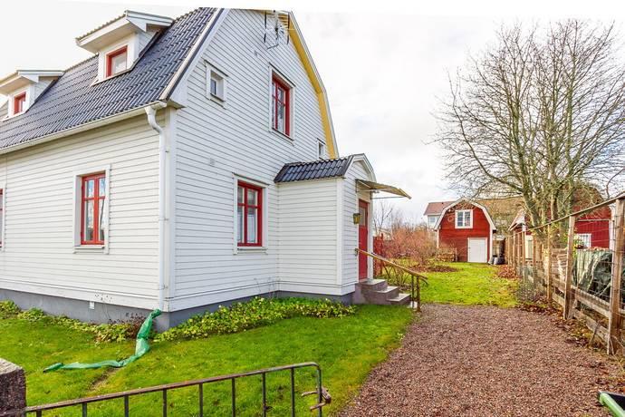 Bild: 3 rum villa på Oskarsgatan 19, Hultsfreds kommun Hultsfred