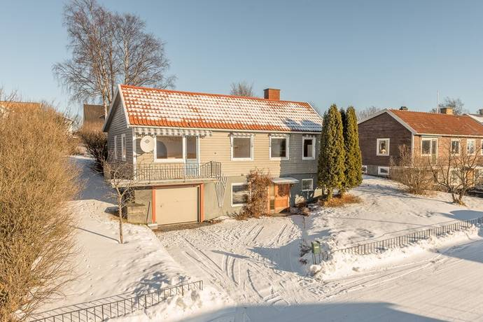 Bild: 5 rum villa på Vangstagatan 23, Härnösands kommun