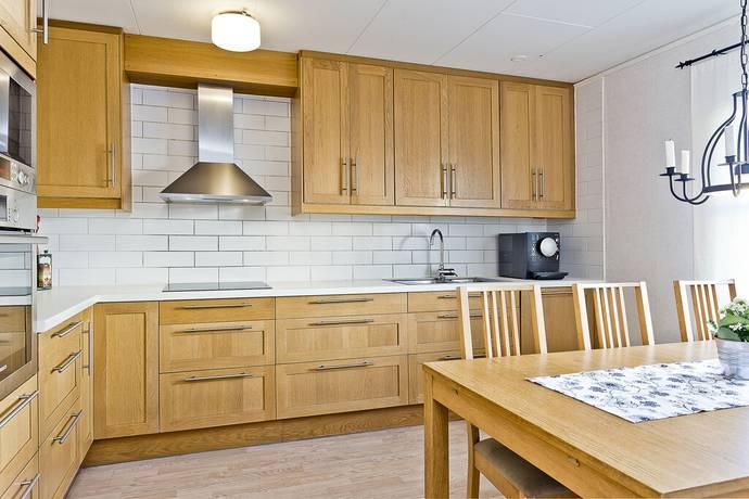 Bild: 5 rum villa på Högåsvägen 111, Knivsta kommun Knivsta