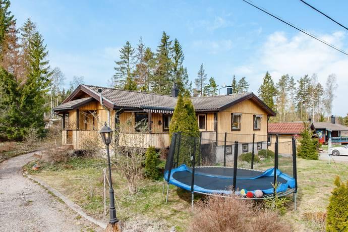 Bild: 5 rum villa på Poppes Väg 6, Norrtälje kommun Edsbro