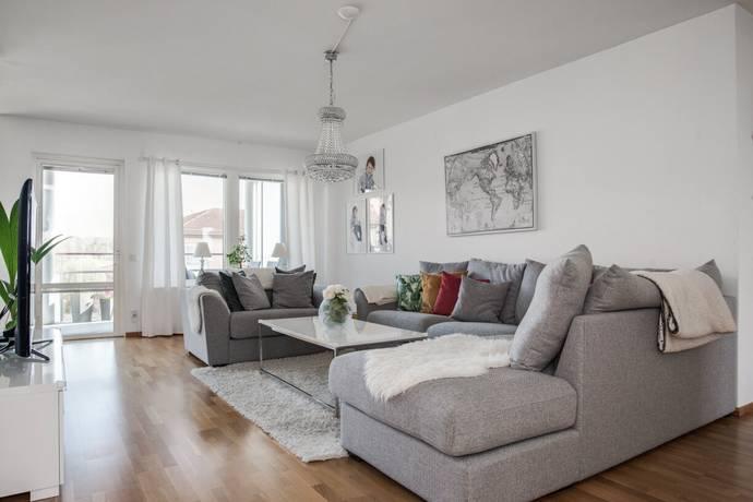 Bild: 3 rum bostadsrätt på Landbotorpsallén 21 C, Örebro kommun Ladugårdsängen
