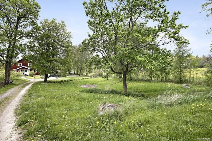 Bild: tomt på Slånvägen 5C, Uppsala kommun Vårdsätra