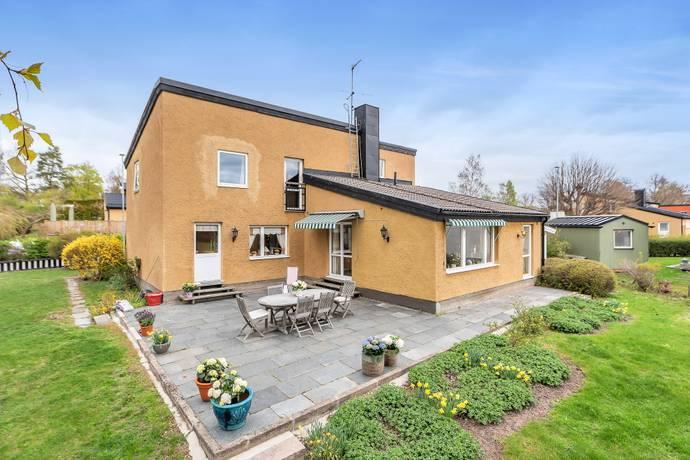 Bild: 9 rum villa på Sleipnervägen 6, Danderyds kommun Djursholm