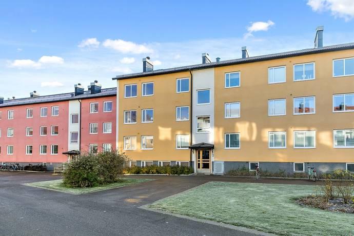 Bild: 3 rum bostadsrätt på Djurgårdsvägen 15 B. 2 trp, Skara kommun Bågen