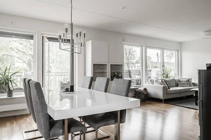 Bild: 2 rum bostadsrätt på Ytterby Torg 15, Kungälvs kommun Ytterby