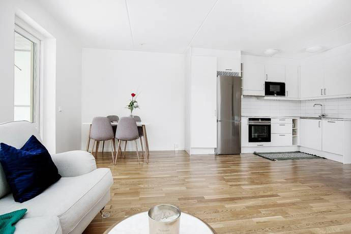 Bild: 2 rum bostadsrätt på Ulvsättragränd 7, Järfälla kommun Kallhäll