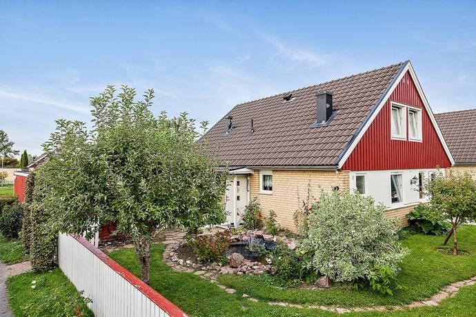 Bild: 5 rum villa på Elin Wägnersgatan 18, Uppsala kommun Nyby