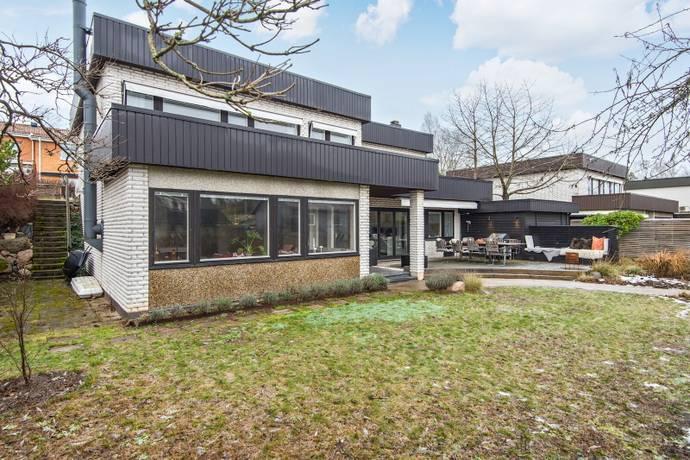 Bild: 6 rum villa på Höglidsvägen  32, Danderyds kommun Enebyberg