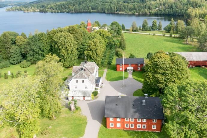 Bild: 15 rum gård/skog på Herrgårdsgatan 2, Säffle kommun Västra Värmland