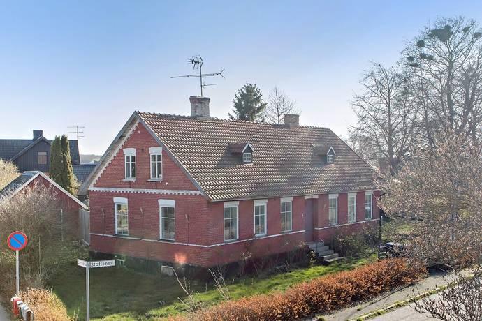 Bild: 4 rum villa på STATIONSVÄGEN 7, Sjöbo kommun Äsperöd