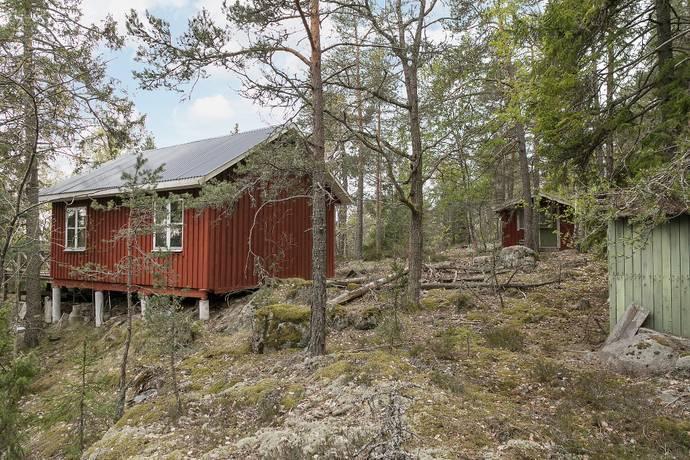 Bild: tomt på Gamla Stockholmsvägen 264, Huddinge kommun Glömsta