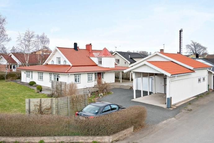 Bild: 10 rum villa på Mejerigatan 14, Skara kommun Axvall