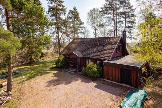 Bild: 5 rum villa på Bred Hamby  4, Enköpings kommun