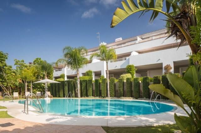 Bild: 3 rum bostadsrätt på Lägenhet i Estepona, Málaga, Spanien Estepona