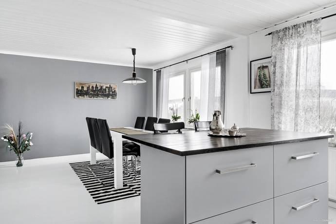 Bild: 6 rum villa på Jupitervägen 4, Varbergs kommun