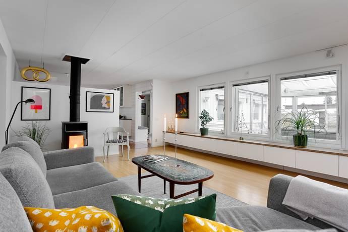 Bild: 6 rum villa på Törngatan  45, Örebro kommun Hagaby