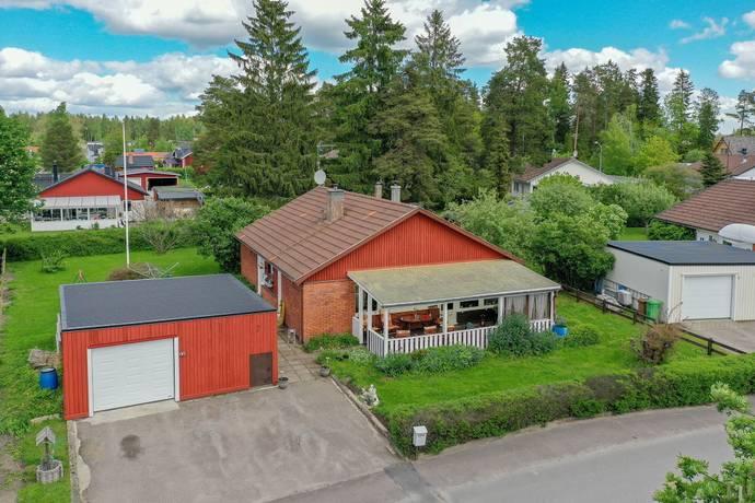 Bild: 4 rum villa på Stenbocksgatan 7, Heby kommun Östervåla