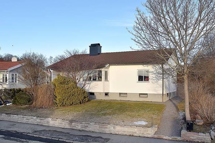 Bild: 5 rum villa på Aspegrensvägen 9, Södertälje kommun Rosenlund