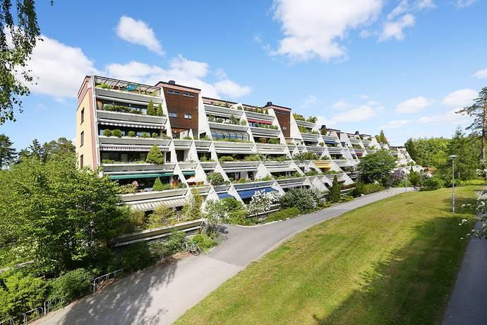 Bild: 4 rum bostadsrätt på Hasselbacken 2A, Upplands Väsby kommun Centralt
