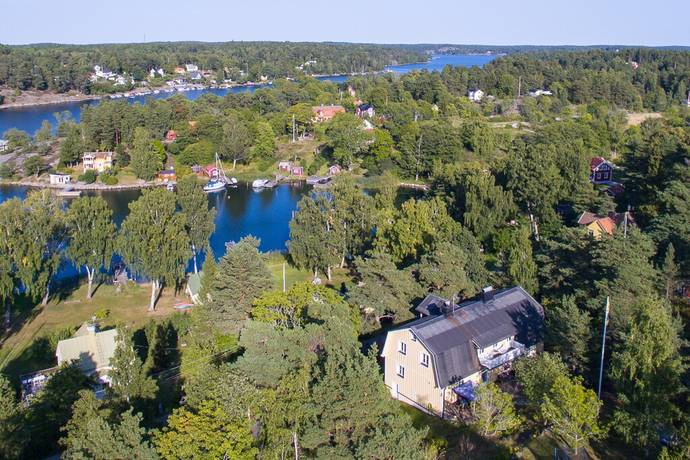 Bild: 9 rum villa på Varvsvägen 36, Vaxholms kommun Vaxholm - Ramsö