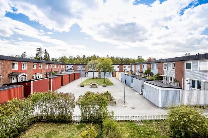 Bild: 5 rum radhus på Kakelstigen 29, Upplands-Bro kommun Kungsängen