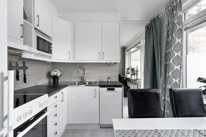 Bild: 1 rum bostadsrätt på Hannebergsgatan 28, 1tr, Solna kommun Centrala Solna