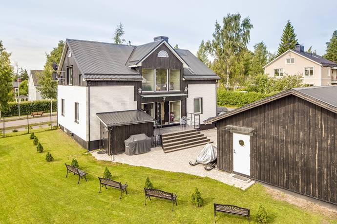 Bild: 8 rum villa på Nygatan 70, Piteå kommun