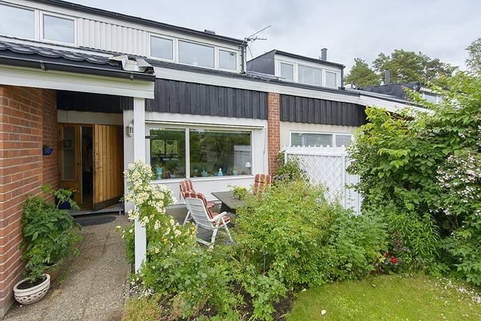 Bild: 7 rum radhus på Ryttarvägen 42, Lidingö kommun Stockby