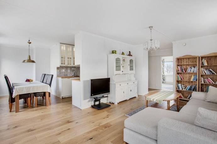 Bild: 2 rum bostadsrätt på Bärkingeplan 13 1 tr, Stockholms kommun Tensta