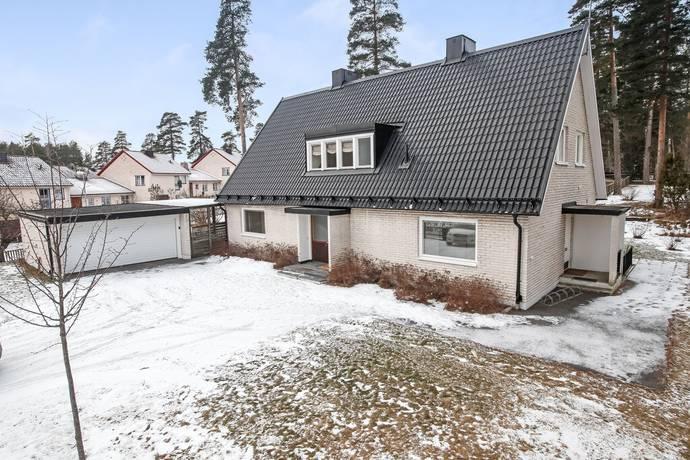 Bild: 7 rum villa på Kanotvägen 24, Sandvikens kommun Hedgrind