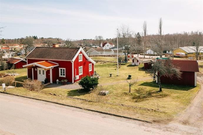 Bild: 4 rum villa på Stenkrossvägen 3, Mariestads kommun Krontorp