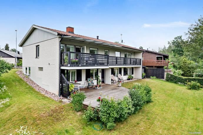 Bild: 8 rum villa på Dunderbacksvägen 12, Finspångs kommun Hårstorp- västra Finspång