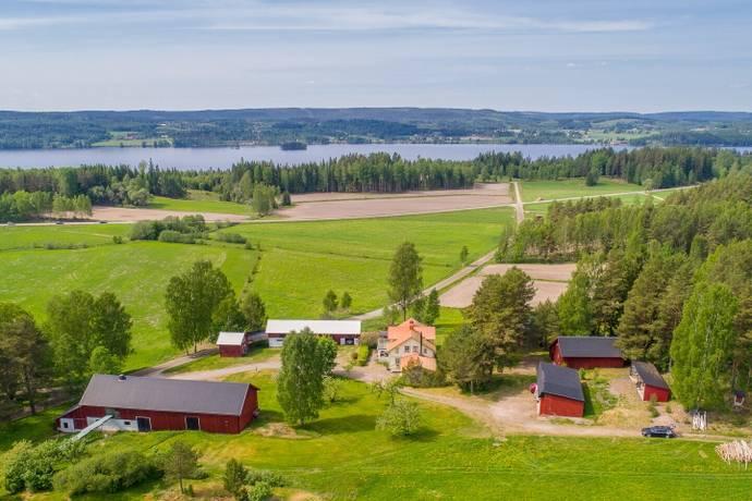 Bild: 7 rum gård/skog på Bäcken 21, Sunne kommun Lysvik